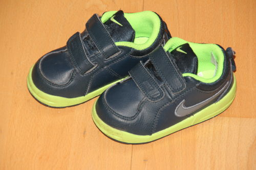 tolle Turnschuhe - Nike - Gr. 22